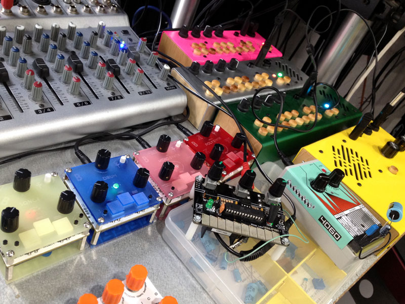 Bastl Instruments初展示!NeblophoneやCritter & GuitarのPocket Piano系も大集合!