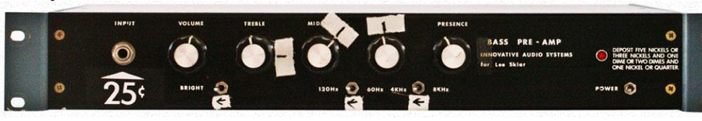 ↑オリジナルの Lee's #1 VTBP-201プリアンプ。 Leland Sklarのために作られ、長年にわたり使用された伝説のプリアンプ。