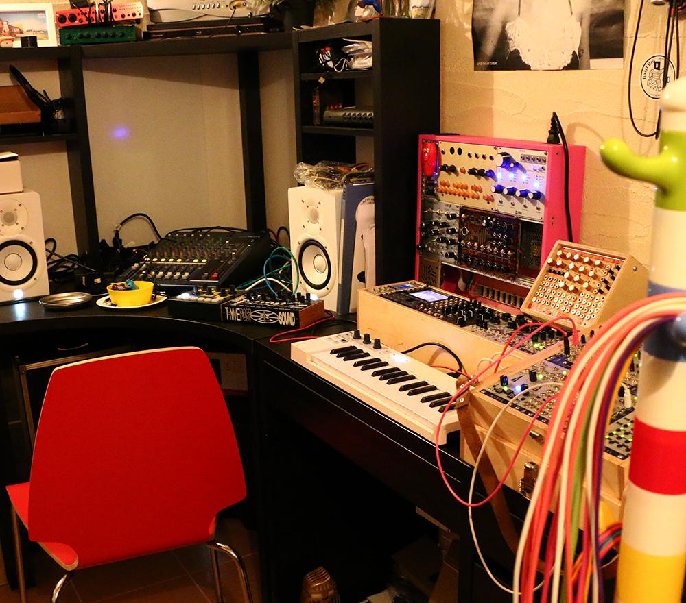bastl instruments,DIYワークショップ,DIYモジュラーシンセ,モジュラーシンセDIY,DIYキット,はんだ付け,はんだ教室,自作シンセ,ワークショップ,Kastle,Dude,Noise Square,Tea Kick,モジュラーシンセサイザー,自作モジュラーシンセ