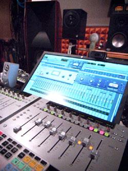 FMR Audio レコーディング・コンプレッサー 音質 評価 レビュー