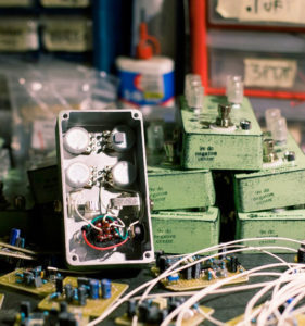 mid-fi-electronics-drive-fuzz-001