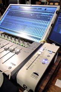 Umbrella Company,アンブレラカンパニー,フェーダーコントロール,フェーダー,The Fader Control,音質,使用感,導入例,サウンド,機能,レビュー,評価
