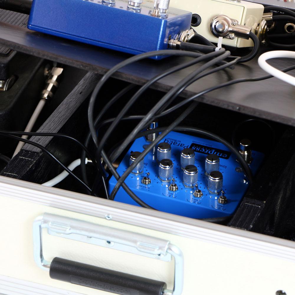 カスタムペダルボード,特注ペダルボード,スラント,斜め,エフェクターボード,ギターエフェクターケース,エフェクトボード,構築,ギターエフェクトシステム,ギターエフェクターシステムボード,ペダルボードバッファー,ペダルボードノイズ,ペダルボードジャンクションボックス,エフェクターボード組み込み,エフェクターボード製作依頼,エフェクター ボード システム 構築,特注エフェクター用ケース,オーダーメイドペダルボード