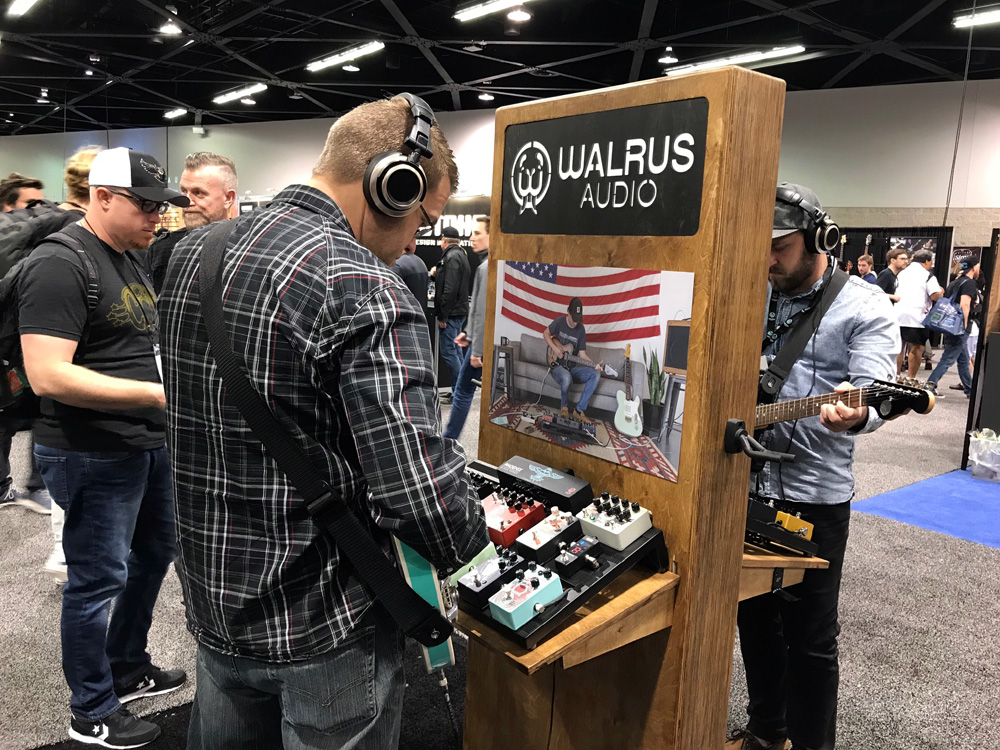 walrus audio voyager buzz. Black Bedroom Furniture Sets. Home Design Ideas