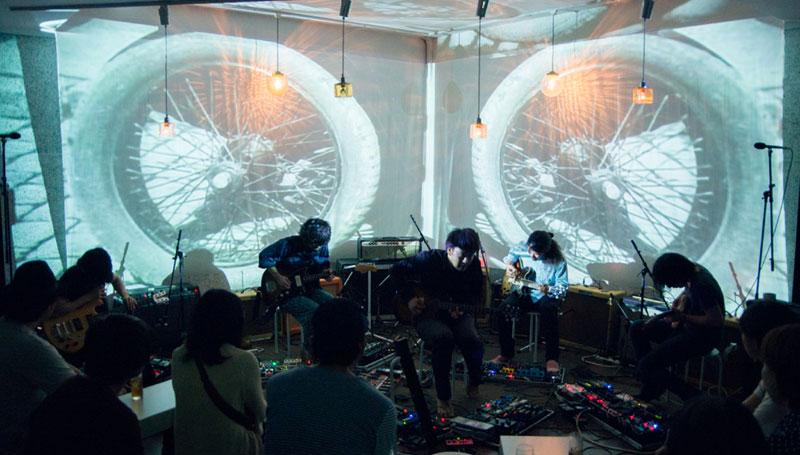 ギタリスト「5人」、ギターアンプ「10台以上」、エフェクター「100台超え」の残響系即興ユニット「Yuragi」